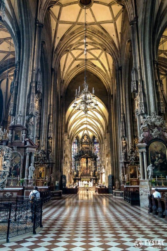Atrakcje Wiednia - wnętrze katedry