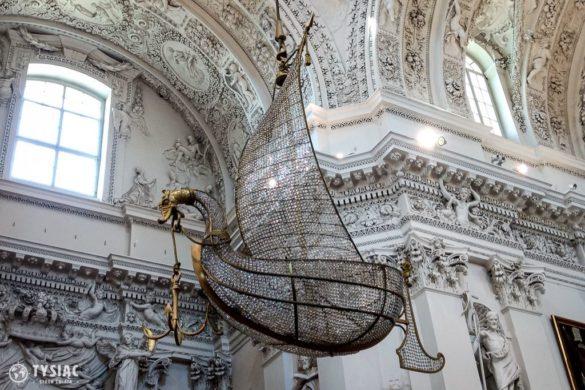 Żyrandol w kształcie łodzi w Wilnie