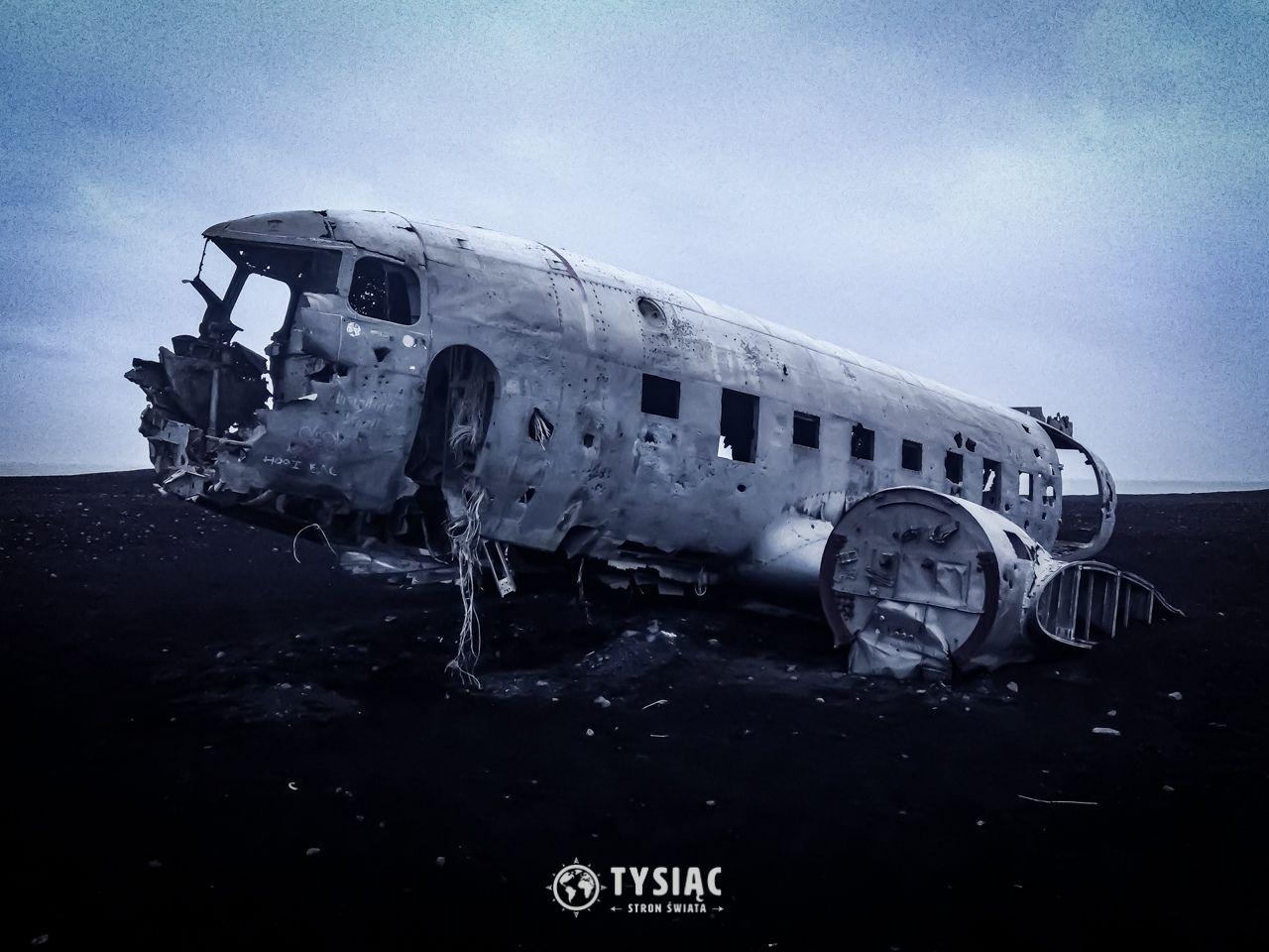 Zwiedzanie Islandii - wrak samolotu Dakota