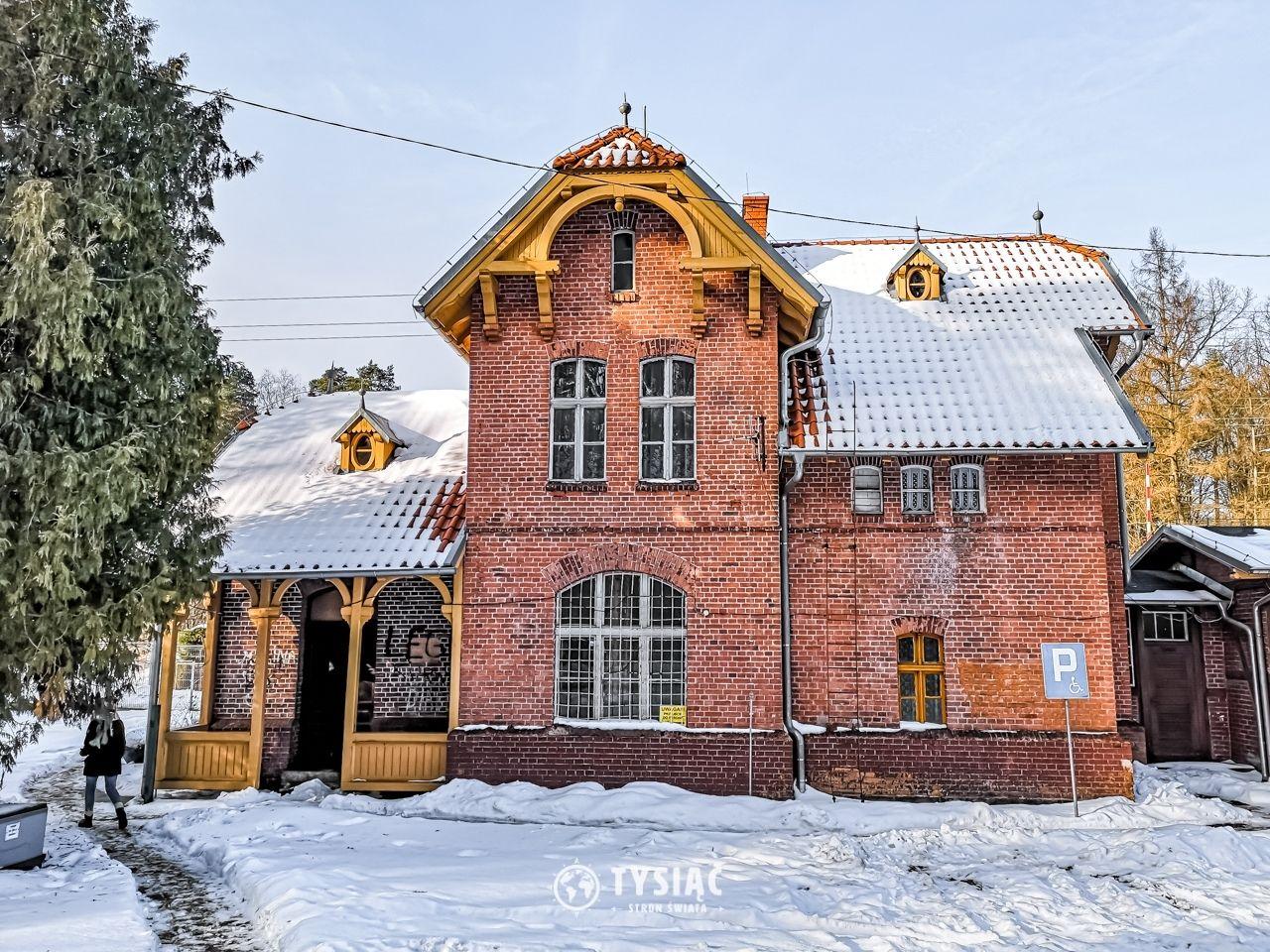 Stare Jabłonki - stacja kolejowa